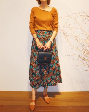 Batik pattern skirt【RE LEAN】